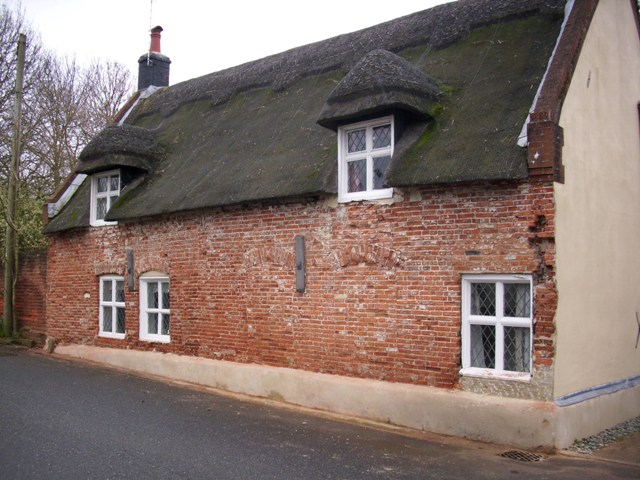 The Thatched cottage No:1 Station Road